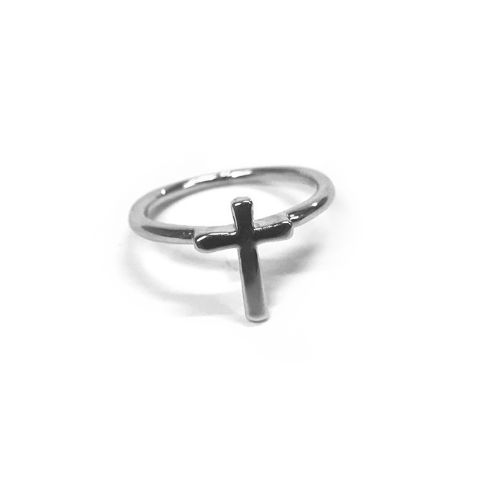 Free Atida Cross Ring In Silver - Catwalk Australia