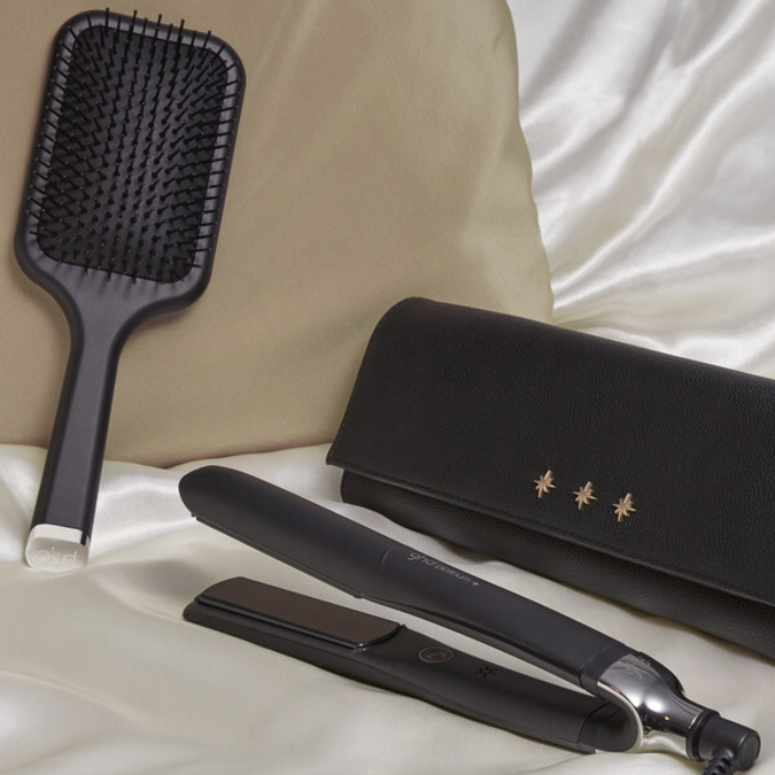 ghd Platinum+ Black Gift Set