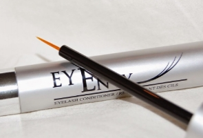 EyEnvy – The Cult Favourite Lash Conditioner